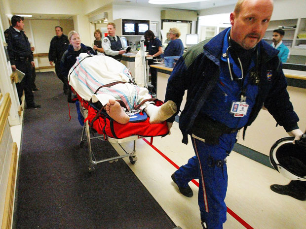 Hospitals turn to Internet to fight emergency room wait times